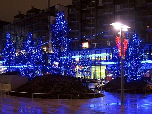 Blaue Weihnachtsbeleuchtung.Blaue Weihnachtsbeleuchtung Am Kamppi Lehrstuhl Für Finnougristik